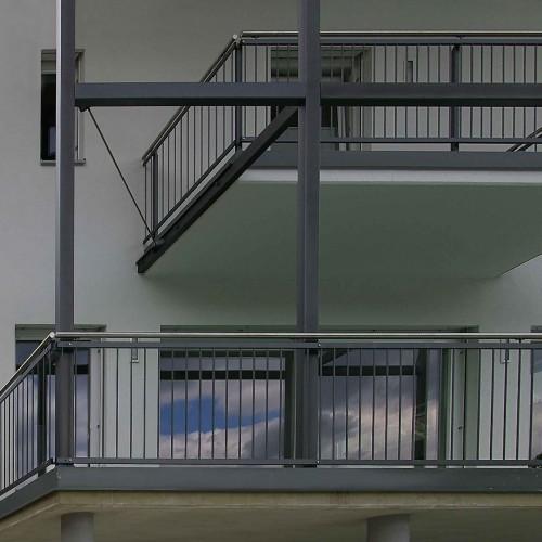 GL0524_Balkonkonstruktion_von_links_nah