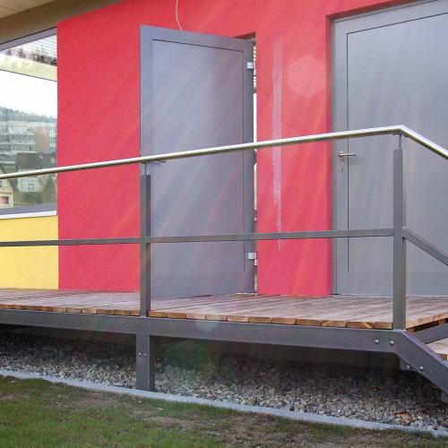 GL2995 Stiegengelaender Freibad